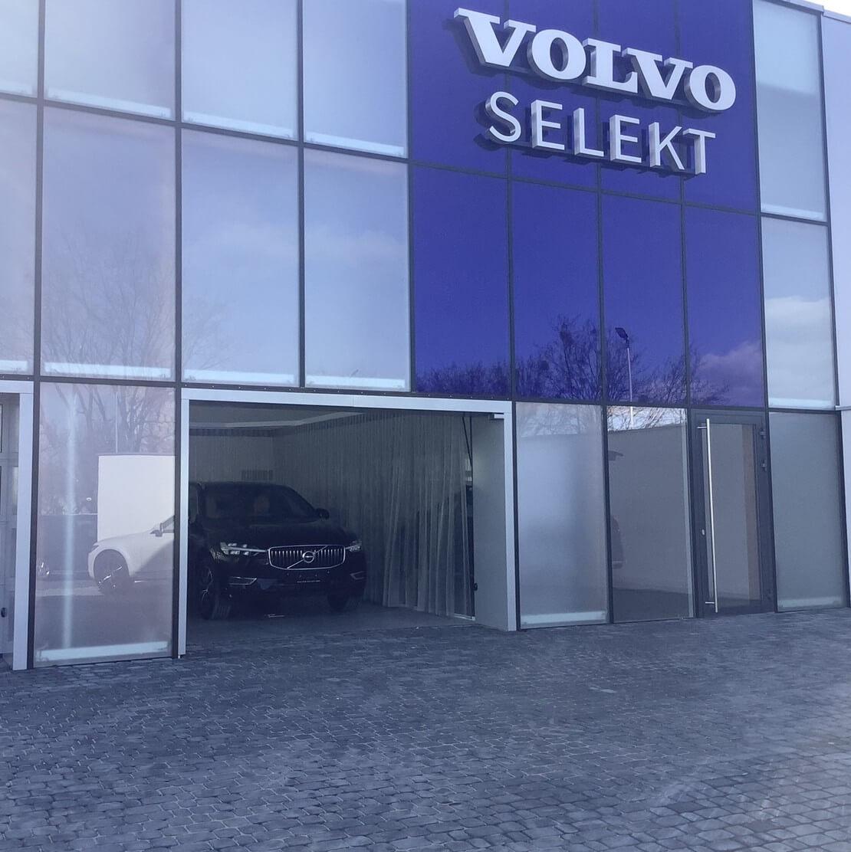 Firany w salonie Volvo